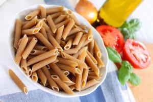 Zutaten für Vollkornnudeln mit Tomatensauce